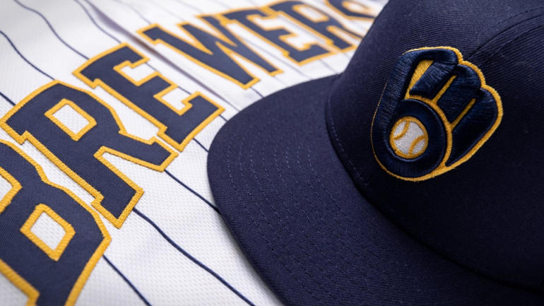 Brewers cap and jersey 2020